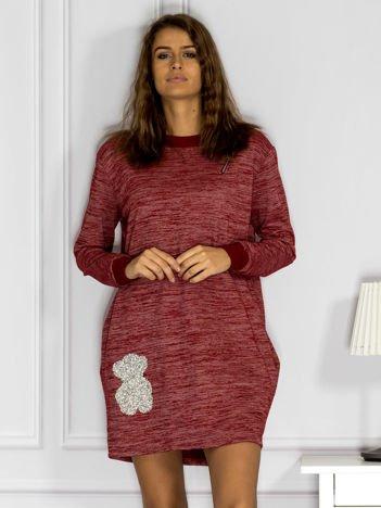 Czerwona melanżowa sukienka z błyszczącą aplikacją i suwakiem