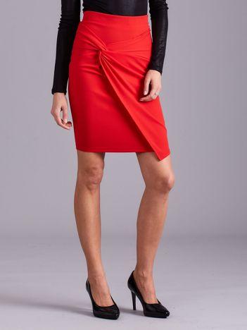 Czerwona spódnica asymetryczna