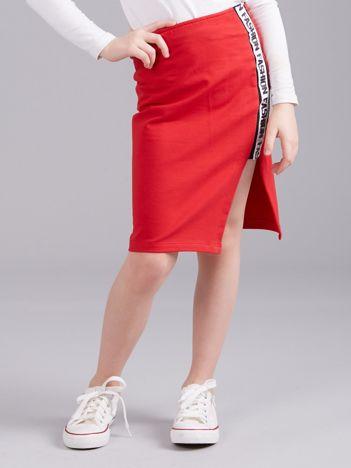 Czerwona spódnica z z bocznym napisem dla dziewczynki