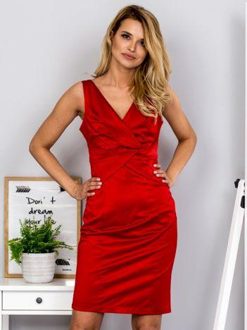 Czerwona sukienka V-neck