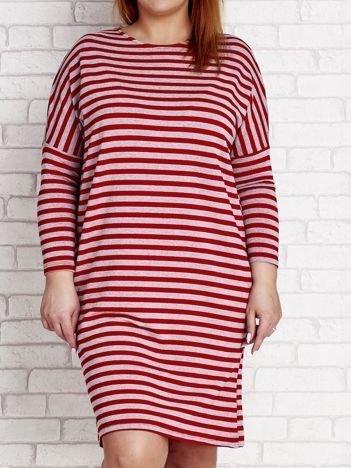 Czerwona sukienka dresowa w paski PLUS SIZE