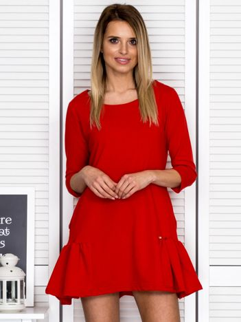 Czerwona sukienka dresowa z falbankami