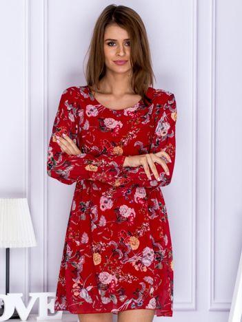 Czerwona sukienka z kwiatowym printem