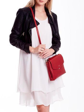 Czerwona torebka damska z klapką