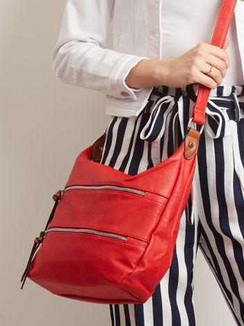 Czerwona torebka z suwakami