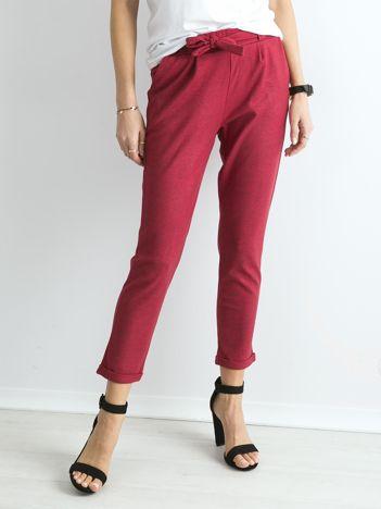 Czerwone damskie spodnie z wiązaniem