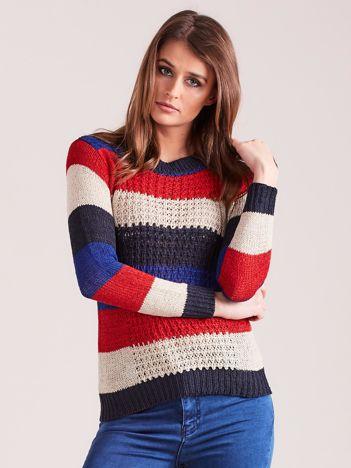 Czerwono-beżowy sweter w pasy
