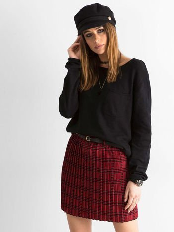 Czerwono-czarna plisowana spódnica we wzory