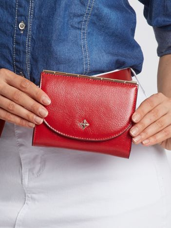 Czerwony elegancki portfel dla kobiety