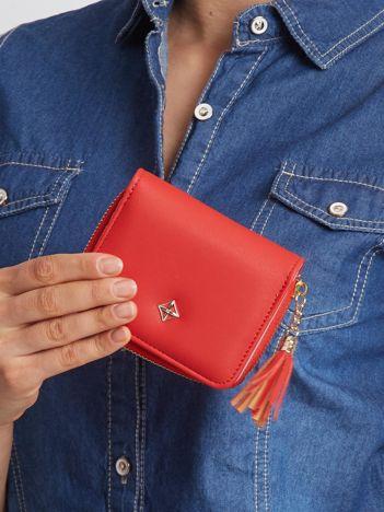 Czerwony mały portfel dla kobiet