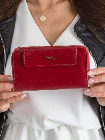 Czerwony portfel damski ze skóry
