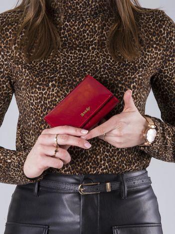 Czerwony poziomy damski portfel skórzany