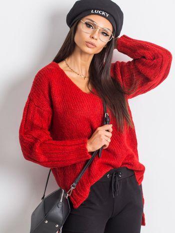 Czerwony sweter Gift