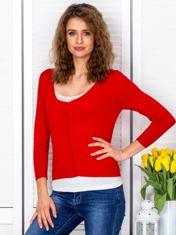 Czerwony sweter damski z guzikami