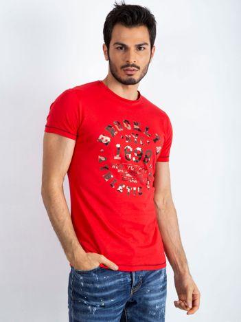 Czerwony t-shirt męski College