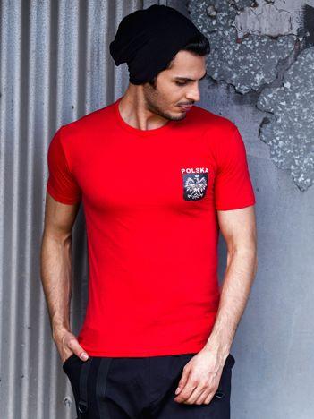 Czerwony t-shirt męski z godłem