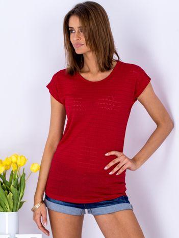 Czerwony t-shirt z ażurowaniem