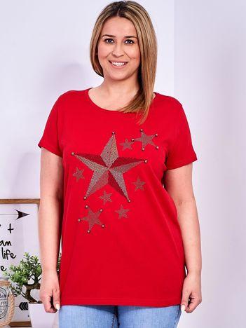 Czerwony t-shirt z błyszczącymi gwiazdami PLUS SIZE