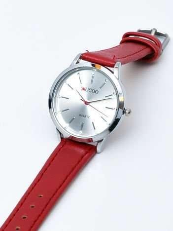 Czerwony zegarek damski z cyrkoniami na tarczy