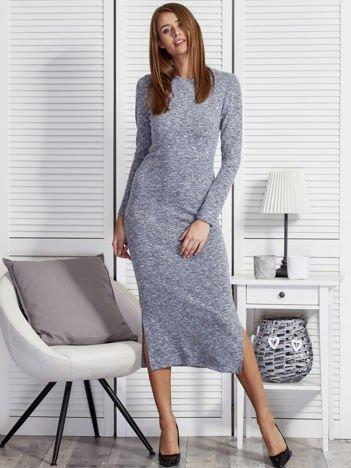 Długa niebieska sukienka melange