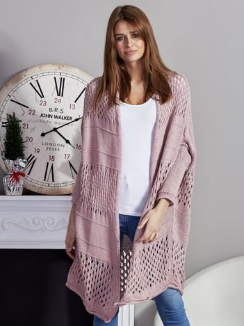Długi ażurowany sweter pudroworóżowy