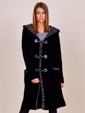 Długi czarny sweter z kapturem