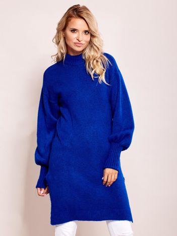 Długi sweter damski z szerokimi ściągaczami kobaltowy