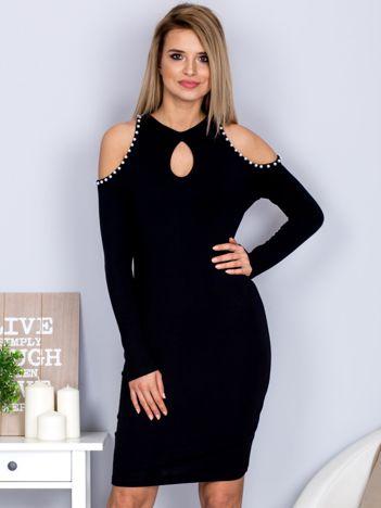 Dopasowana sukienka cut out z perełkami czarna