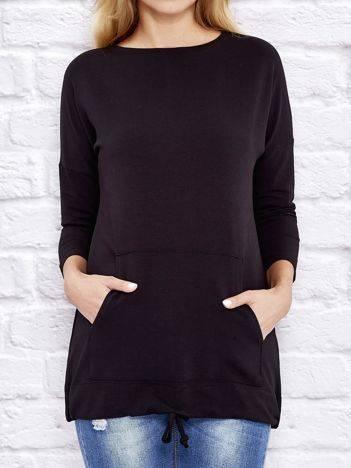 Dresowa bluza z dużą kieszenią i troczkami czarna
