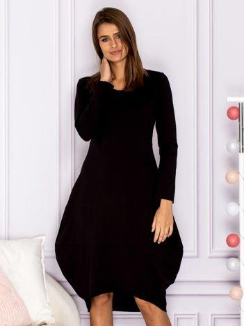 Dresowa sukienka z surowym wykończeniem czarna