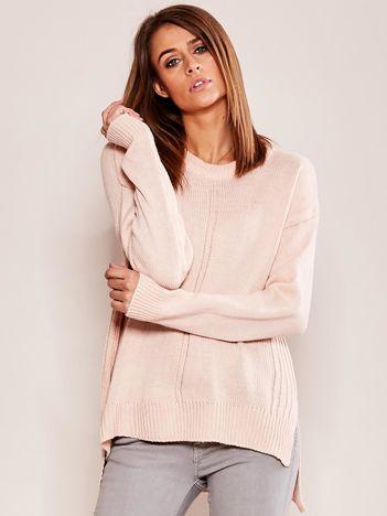 Dzianinowy sweter jasnoróżowy