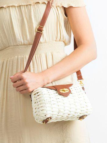 Ecru-brązowa mała torebka pleciona
