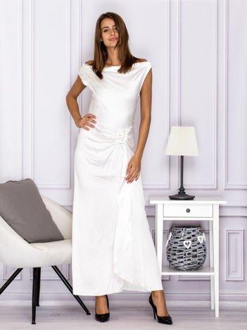 Ecru długa sukienka z drapowaniami