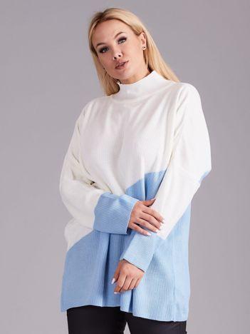 Ecru-niebieski sweter z golfem PLUS SIZE