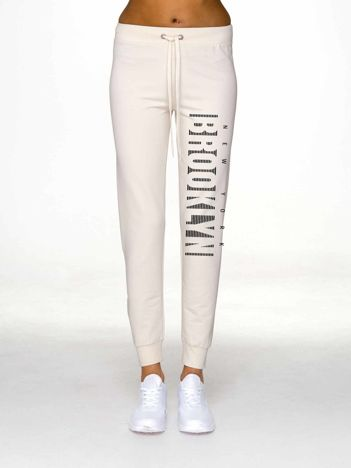 Ecru spodnie dresowe z napisem BROOKLYN