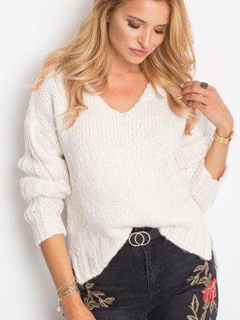 Ecru sweter Gift