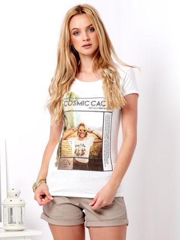 Ecru t-shirt z nadrukiem dziewczyny