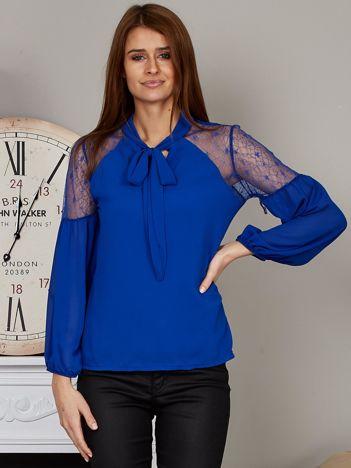 Elegancka bluzka z wiązanym chokerem kobaltowa