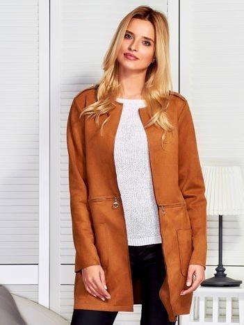 Elegancki zamszowy płaszcz z zamkami brązowy