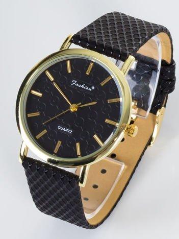FASHION Delikatny zegarek damski z przepięknymi tłoczeniami na tarczy z ozdobnym paskiem