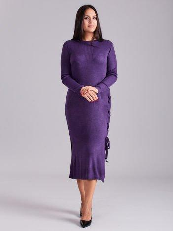 Fioletowa sukienka dzianinowa z bocznym sznurowaniem
