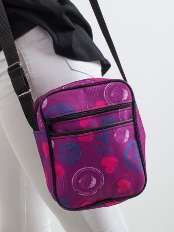 Fioletowa torebka we wzory