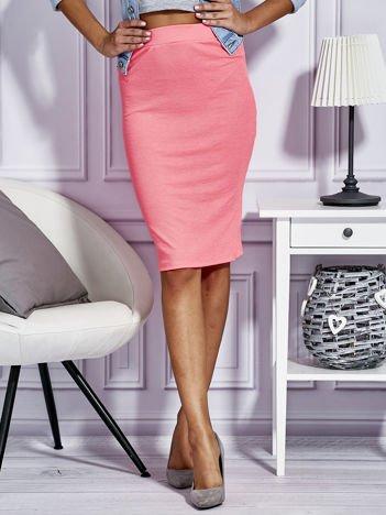 Fluo różowa dopasowana spódnica midi