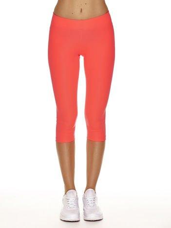 Fluo różowe krótkie legginsy na siłownię o średniej grubości