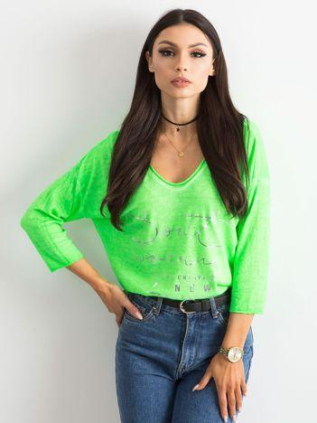 Fluo zielona bluzka w serek z napisem