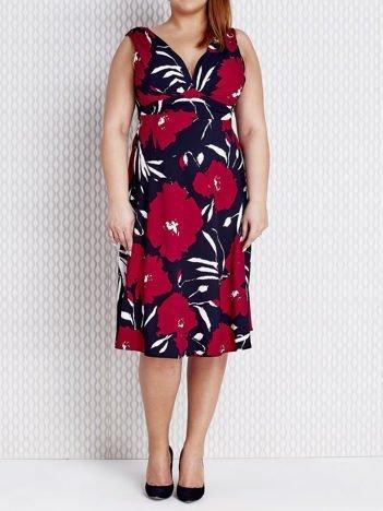 Fuksjowa sukienka koktajlowa w malarskie wzory PLUS SIZE