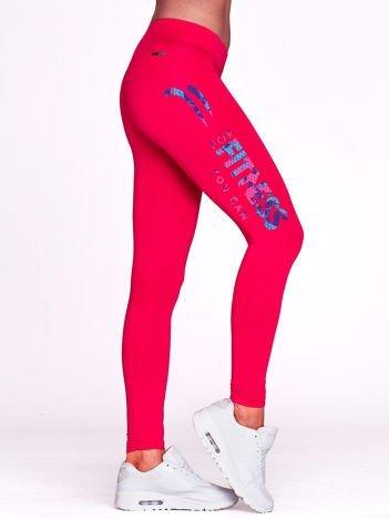 Fuksjowe długie legginsy do biegania z kolorowym nadrukiem