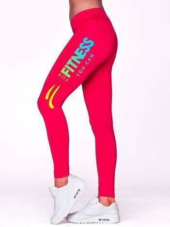 Fuksjowe długie legginsy na siłownię z kolorowym nadrukiem