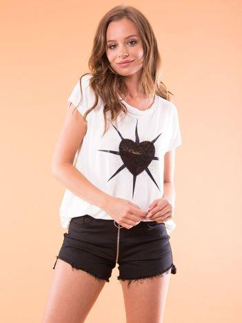 G by BACZYŃSKA Biały t-shirt z cekinowym sercem