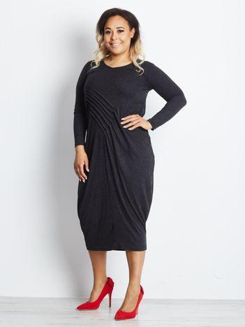 Grafitowa sukienka plus size Intimate